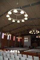 Grote kroonluchters kerk Aalsmeer