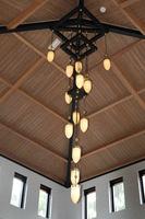 design hang kroonluchter kerk