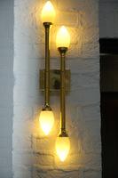 wandlamp aula doorn